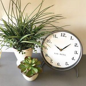 🆕 ⏰ Clock by Rae Dunn